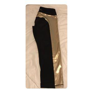 Gottex black and gold leggings
